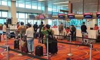 将在新加坡的360名越南公民接回国