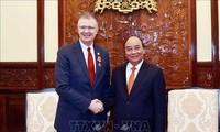 越南国家主席阮春福会见美国驻越大使克里滕布林克