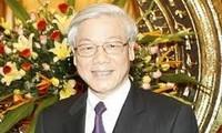 KPV-Generalsekretär Nguyen Phu Trong berät sich mit dem ZK-Erziehungskomitee