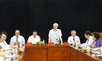 KPV-Generalsekretär besucht das Ho Chi Minh-Institut für Politik und Verwaltung