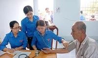 Junge vietnamesische Ärzte bemühen sich für Gesundheit der Gemeinschaft