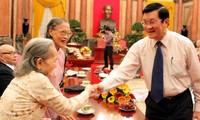 Staatspräsident Truong Tan Sang empfängt ehemalige Soldaten der Hoang Dieu-Zitadelle