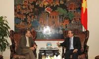 Vizepremierminister Nguyen Thien Nhan empfängt Vorstandschef der US- Erziehungsstiftung für Vietnam