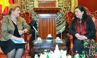 Vizeparlamentspräsidentin Tong Thi Phong empfängt UNICEF-Vertreterin in Vietnam