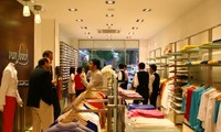Der deutsche Hemdenhersteller Van Laack in Hanoi
