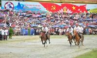 Pferderennen in Bac Ha: Kultur der ethnischen Minderheiten im Nordwesten