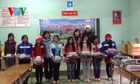 VOV5 überreicht Geschenke an arme Menschen in Ha Giang