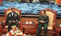 Befehlshaber der US-Armee im Pazifik besucht Vietnam