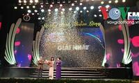 Parlamentspräsident Nguyen Sinh Hung bei der Preisverleihung zu Ehren vietnamesischer Mediziner