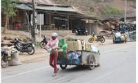 Eine weibliche Transporttruppe an der Grenze