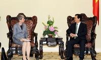 Premierminister Nguyen Tan Dung empfängt deutsche Botschafterin Jutta Frasch