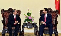 Premierminister Nguyen Tan Dung empfängt den Gouverneur der myanmarischen Staatsbank