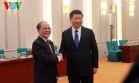 Chinas Staatspräsident Xi Jinping empfängt Parlamentspräsident Nguyen Sinh Hung
