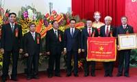 Held der Arbeit für das zeitgenössische Theaterhaus Vietnam und das Krankenhaus der Freundschaft