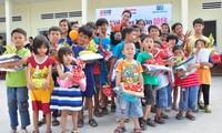 Ho Chi Minh Stadt verteilt 2000 Geschenke an Waisenkinder