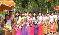 Einzige Schönheit der traditionellen Trachten der Khmer