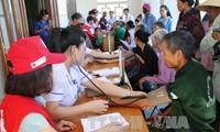 Kostenlose Gesundheitsuntersuchungen und Medikamente für 1000 arme Menschen in Ha Tinh