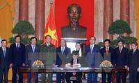 Wissenschaftsforum über 70-jährige vietnamesische Verfassung