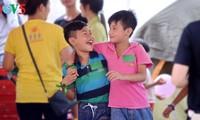 """Weltglückstag: Gemeinsam """"Lieben und Mitgefühl zeigen"""""""