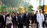 Singapurs Premierminister Lee Hsien Loong beendet seinen Besuch in Vietnam