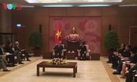 Verstärkung der Zusammenarbeit zwischen den Parlamenten der USA und Vietnam