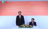 Staatspräsident Tran Dai Quang trifft Angehörige der vietnamesischen Botschaft in Weißrussland