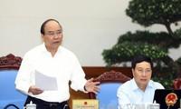 Premierminister Nguyen Xuan Phuc fordert Unterstützung der Produktion und des Handels