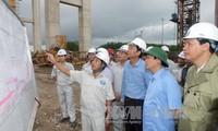 Vizepremierminister Vuong Dinh Hue besucht Quang Ninh