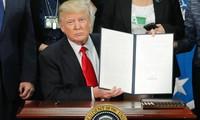 Oberstes US-Gericht bestätigt vorerst Einreiseverbot von Trump