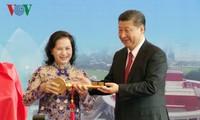 Parlamentspräsidentin Nguyen Thi Kim Ngan trifft chinesischen Staatspräsident Xi Jinping