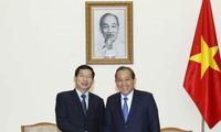 Vizepremierminister Truong Hoa Binh empfängt Vorsitzenden des laotischen Gerichtshofes