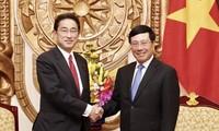Vizepremierminister Pham Binh Minh empfängt Leiter des Forschungszentrums für Politik von LDP