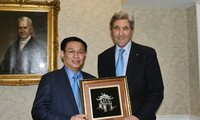Vizepremierminister Vuong Dinh Hue beendet Besuch in den USA