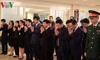 Kondolenzbesuch des verstorbenen Alt-Generalsekretär der KPV Do Muoi in Japan