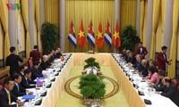 Vorsitzender des Staatsrates und Ministerrates Kubas Miguel Diaz Canel beendet Vietnambesuch