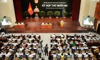 Sitzung der Volksräte von Hanoi und Ho Chi Minh Stadt