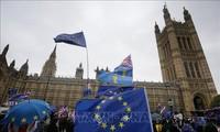 Britische Medien berichten über Brexit-Abstimmung im Parlament