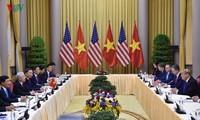 KPV-Generalsekretär und Staatspräsident Nguyen PhuTrong führt Gespräche mit US-Präsidenten Donald Trump