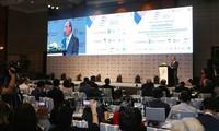 Premierminister Nguyen Xuan Phuc und Giuseppe Conte leiten gemeinsames Unternehmensforum zwischen Italien und ASEAN