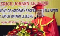"""Verleihung des Titels als Ehrenprofessor an Vorsitzenden der """"Herz für Herz – Stiftung für Leben"""""""