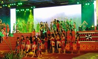 Eröffnung des Festival von Ginseng Ngoc Linh