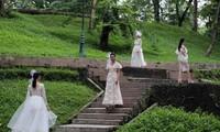 Modenschau im Garten Dien Hong in Hanoi