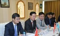 Leiter der Abteilung für Information und Erziehung der Partei Vo Van Thuong auf Arbeitsbesuch in Kasachstan