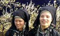 Trachten der ethnischen Minderheit der Nung