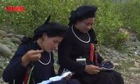 Lang-oi-Gesang und die Sitte von Geschenkaustausch der Tay und Nung