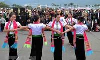 """Bewahrung und Förderung des """"Xoe Tanz"""" der Thai"""