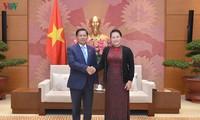 Parlamentspräsidentin Nguyen Thi Kim Ngan empfängt Befehlthaber der myanmarischen Streitskräfte