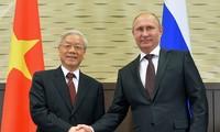 Russlands Präsident Wladimir Putin beglückwünscht KPV-Generalsekretär Nguyen Phu Trong zum Neujahr
