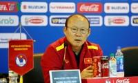 Fußballtrainer Park Hang-seo übergibt Premiere an Wohltätigkeiten