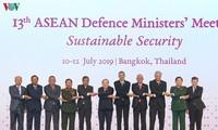 Eröffnung der Klausursitzung der ASEAN-Verteidigungsminister